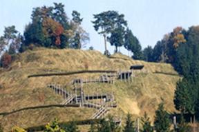 皆川城址と古寺を訪ね、温泉を楽しむコース
